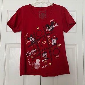 Disney Tic Tac Toe Mickey/Minnie graphic Tee red L